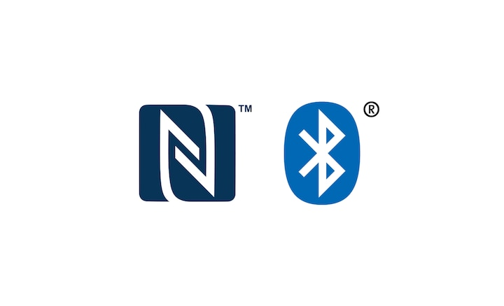 NFC™ i Bluetooth® logotipi